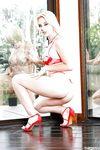 Гибкая молоденькая блондинка с зелёными глазами Samantha Rone