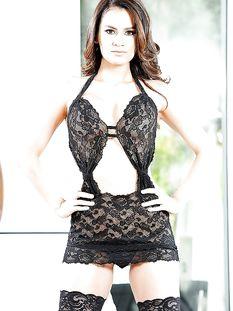 Горячая латиноамериканская красавица Vanessa Veracruz