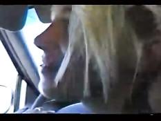 Slut rewarding chauffeur with blowjob
