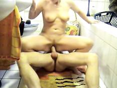 German amateur whore in bath