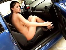 Hot babe masturbates in car 4