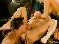 Hot threesome licking 1