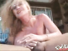 Blond likes gagging