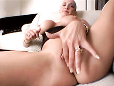 Slut Lexi masturbating