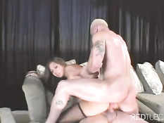 Threesome with asian porn chick