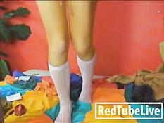 Girl does webcam show after showering
