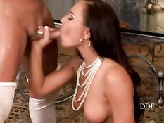 Nataly and Mia getting some cum