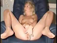 Blonde Mature Ass Close-ups