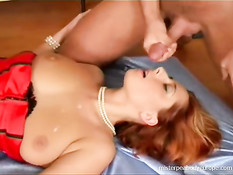 Cute redhead trying a threesome
