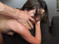 Красивая и сексуальная задница горячей девушки