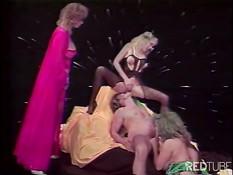 Классический порно фильм с участием сисястой женщины
