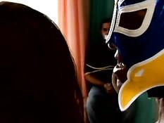 Парни в масках похищают и трахают брюнетку