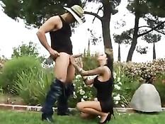Жену между порно фильм с садовником сексуальных позах джейн