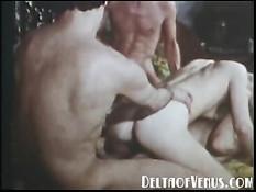 Молодёжный групповой секс в порно фильме 1970 года