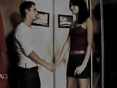 Парень пришёл в гости к сексуальной подруге обожающей анал
