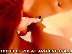 Джейден Джеймс и Ребекка Блю любят жёсткий лесбийский секс