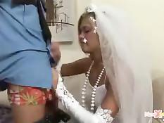 Полицейский задержал и оттрахал опаздавшую на свадьбу невесту