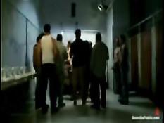 Группа мужчин геев при помощи плётки жёстко оттрахала парня