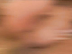 Похотливая брюнетка в сетчатом наряде трахнулась с двумя парнями