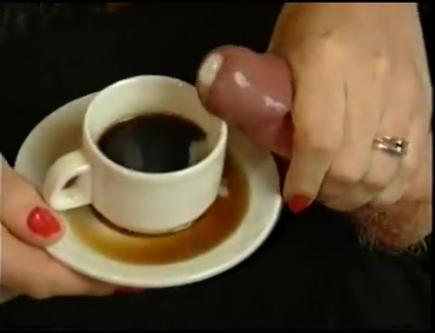 seks-v-kofe-video-porno-negrityanok-lesbiyanok-v-nizhnem-bele