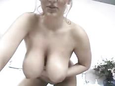 Big tit girl on cam