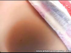 Парень заливает сладкое отверстие девушки своей горячей спермой