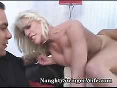 Мужик ласкает большие красивые сиськи жены своего лучшего друга