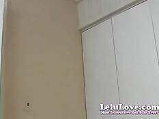 Сексуальная жена Lelu Love радует мужа сетчатым эротическим бельём