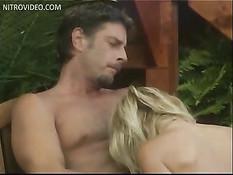 Милая блондинка Allysin Chaynes сделала минет и трахнулась с парнем