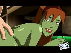 Он всунул член в рот зелёной девушке, а потом трахнул раком в анал
