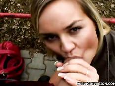 Европейская блондинка согласна отсосать на улице и сняться в порно