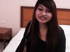 Молодая тайская проститутка с удовольствием снялась в порно клипе