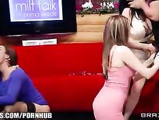 Порно Courtney Cummz, Diamond Foxxx, Puma Swede и Veronica Avluv