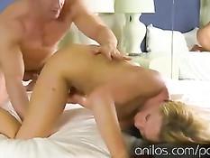 Старая сисястая блондинка Nikki Sexx оттрахана в разных позициях