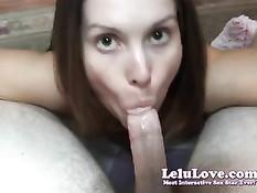Любительница Lelu Love встала на колени и сделала шикарный минет