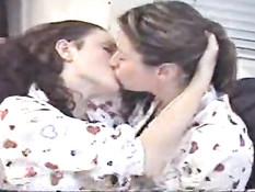 Long lesbian kiss