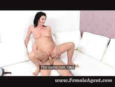 Зрелая дама пригласила на порно кастинг и трахнула молодого парня