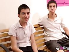 Жёсткое групповое порно видео двух мокрых молодых испанских пар