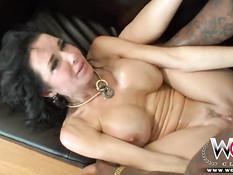 Ненасытная зрелая дама Veronica Avluv нуждается в большом члене