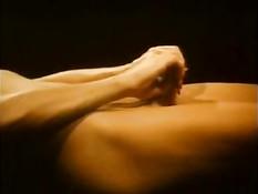 Страстная Marilyn Chambers в ретро порно фильме ебётся с парнями
