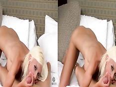 Блондинка Puma Swede играется с фаллосом и сосёт член в 3d порно