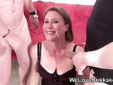 Жёсткое буккаке порно видео с двумя юными развратными шлюхами