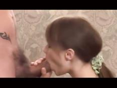 Симпатичную девчонку на порно кастинге оттрахали в анус и киску