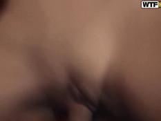 Молодая русская парочка решила снять своё домашнее порно видео