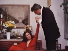 Американская звезда ретро порно Kay Parker отсасывает мужчинам
