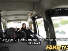 Женщина прокатилась в такси и занялась сексом возле автомобиля