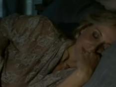 Сиськастая красавица Julia Ann отсасывает и трахается с мужчиной