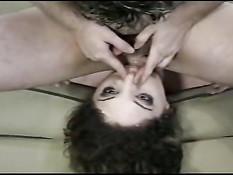 Похотливой шлюшке Kiki Daire заливают спермой лицо после отсоса