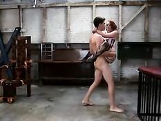 Рыжую секс рабыню Dani Jensen отшлёпали и оттрахали в задницу