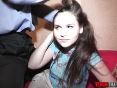 Русская девушка в чёрных колготках оттрахана за задолженность